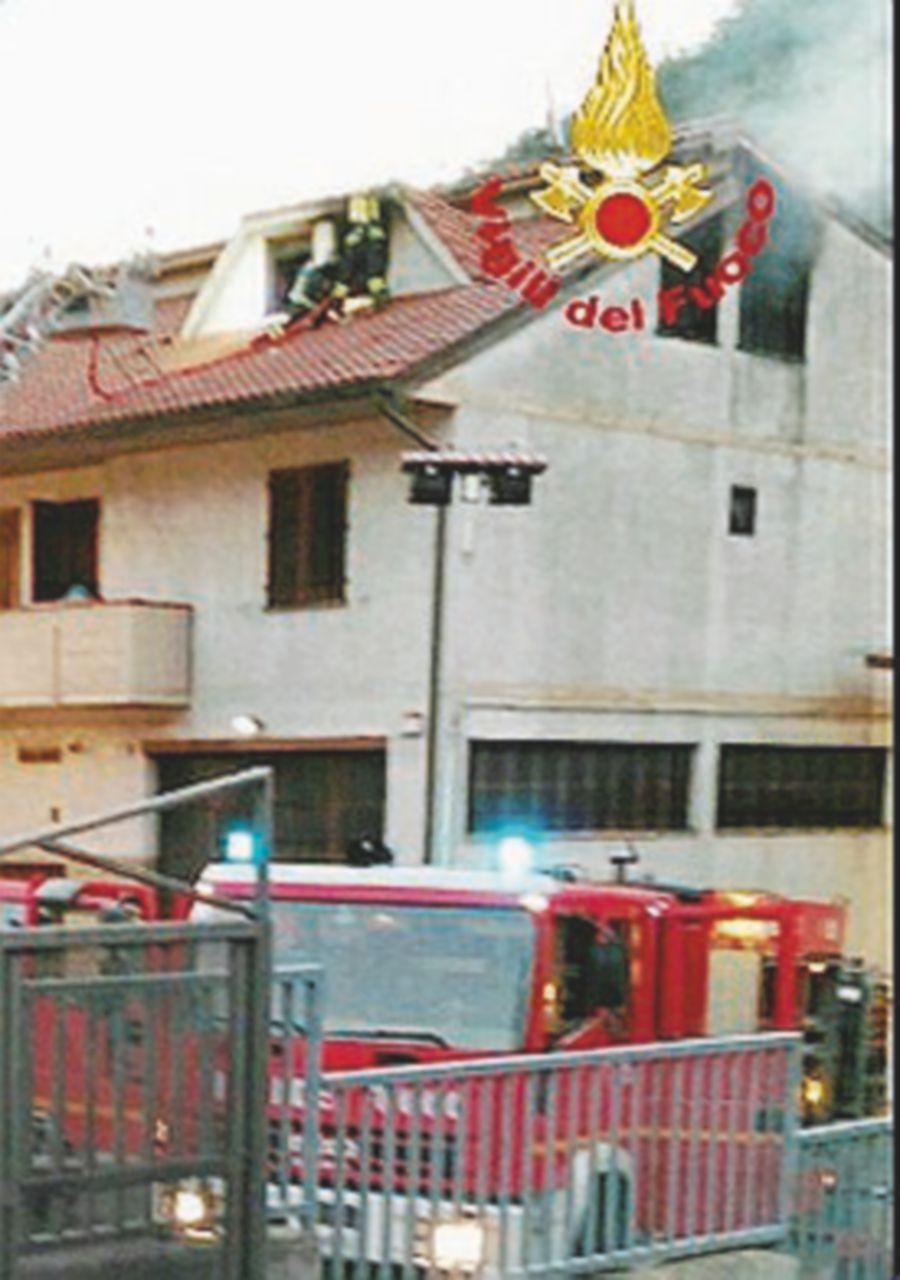 Casa-laboratorio va a fuoco, due cinesi di 35 anni asfissiati