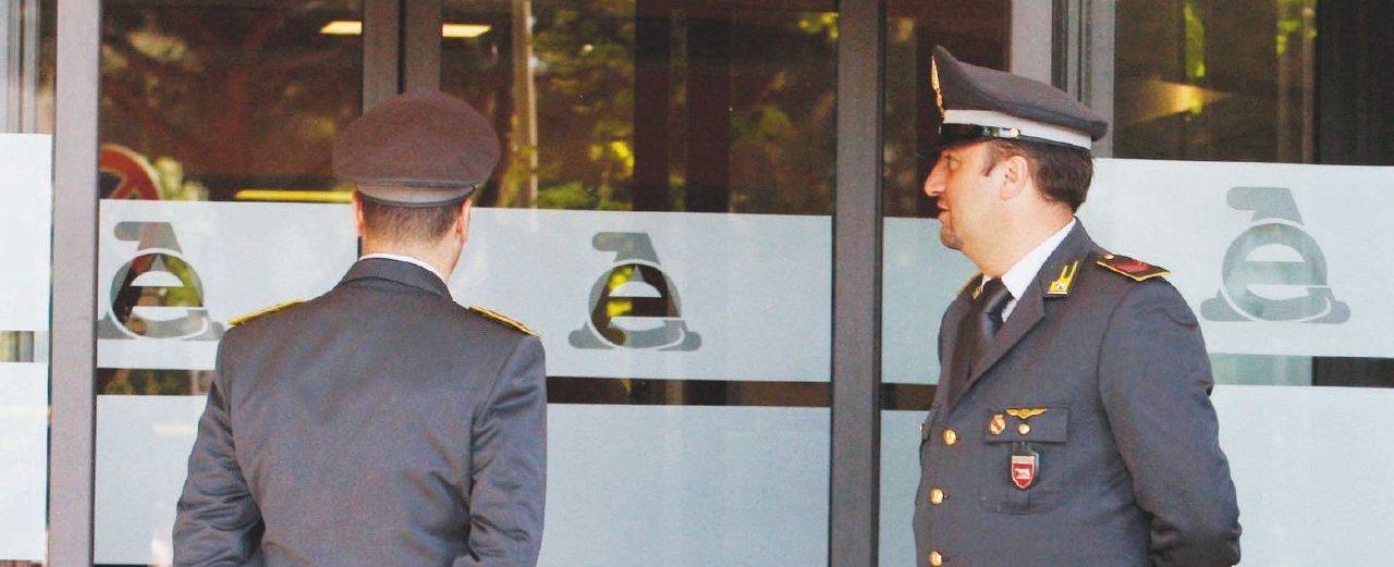 """Como, 5 arresti per corruzione: c'è anche l'ex direttore dell'Agenzia delle Entrate. """"Rivelava verifiche ai commercialisti"""""""