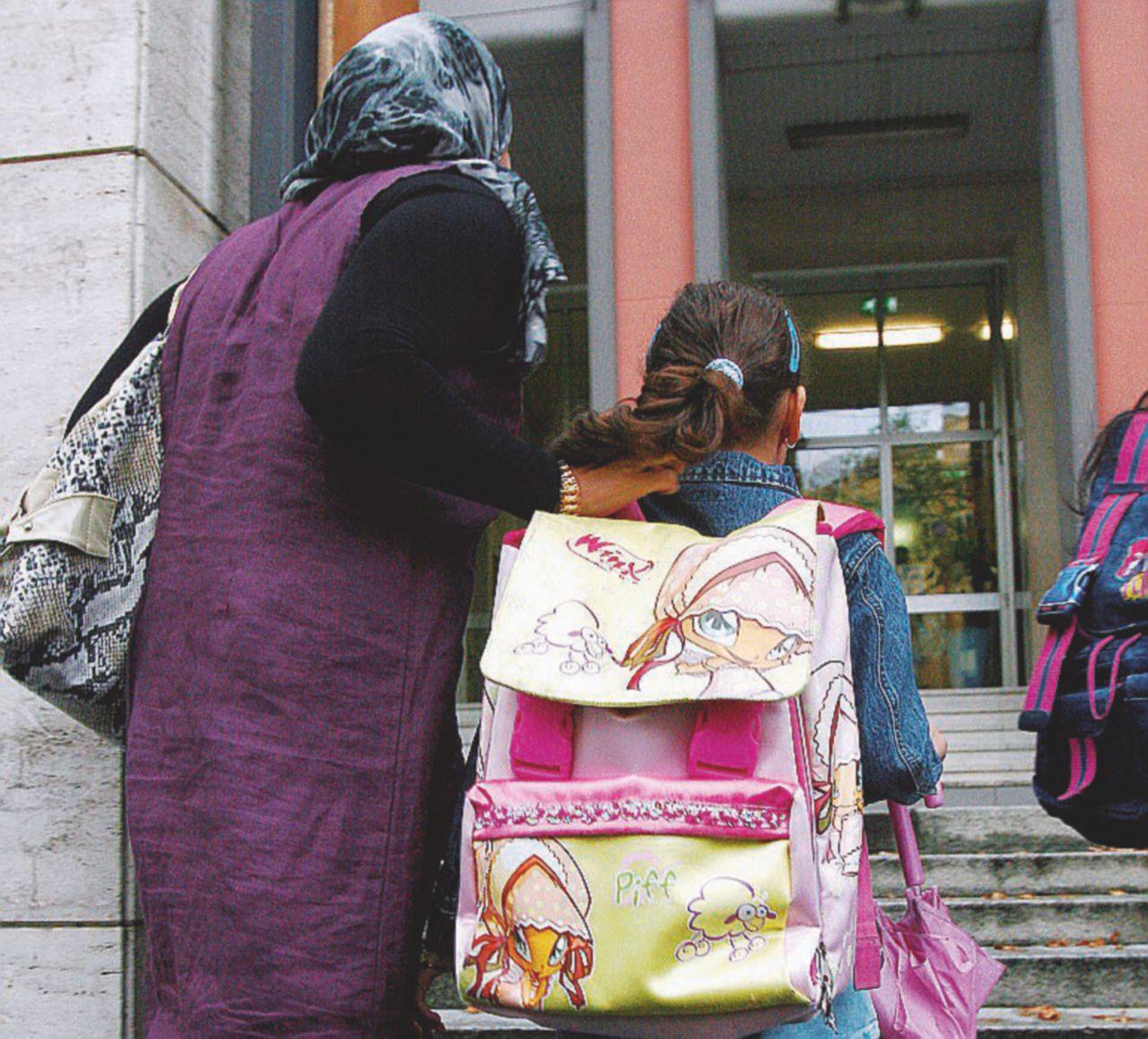 """""""Costretta al burqa"""". Il caso (dubbio) di un'inglesina"""