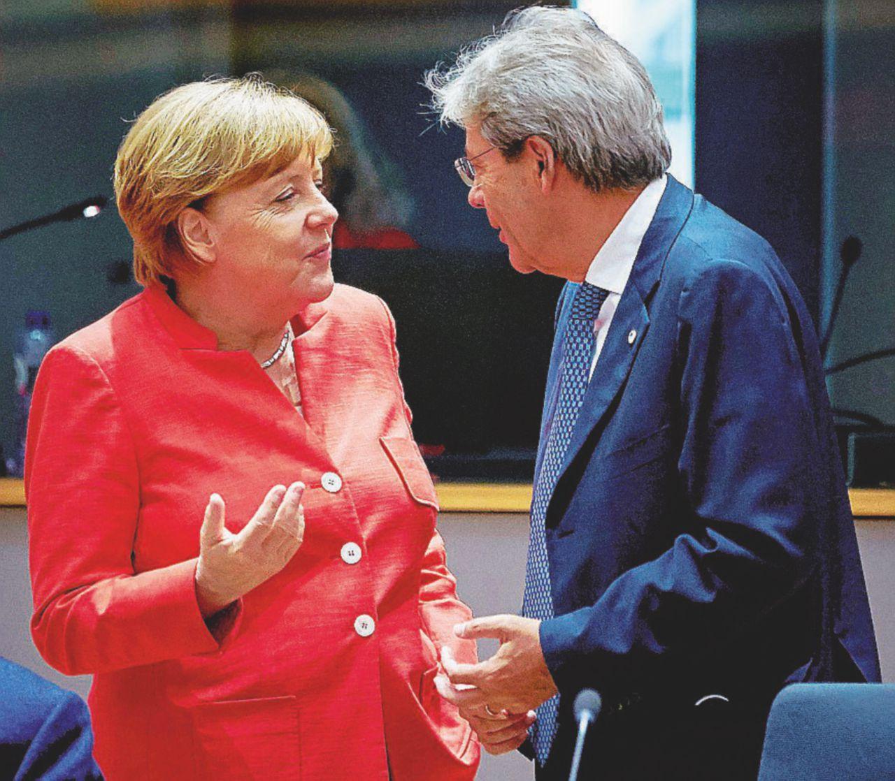 La svolta in tre mesi: l'Ue a Parigi benedice la linea di Minniti