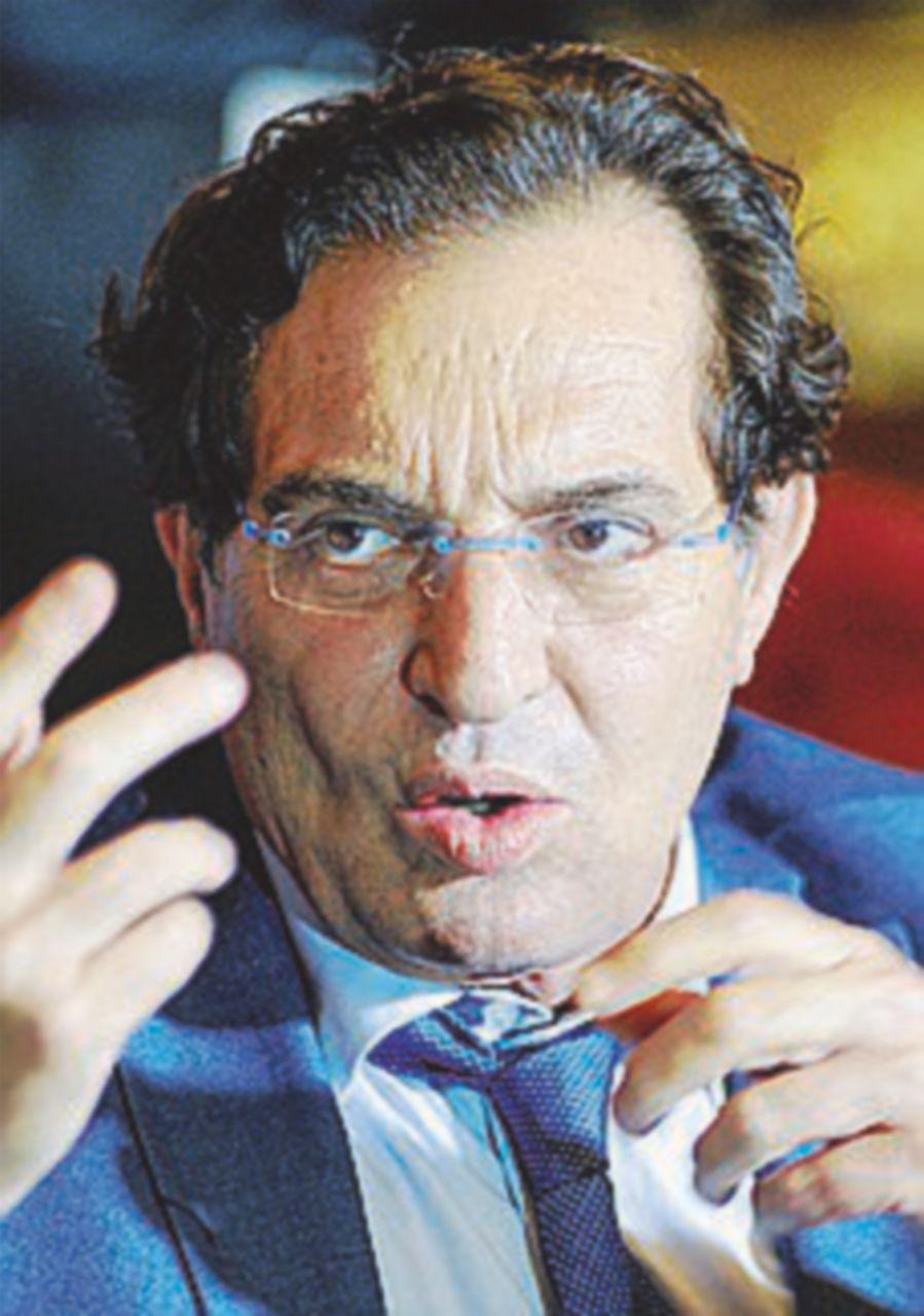 """Renzi sente Crocetta ma il governatore non cede: """"Primarie"""""""