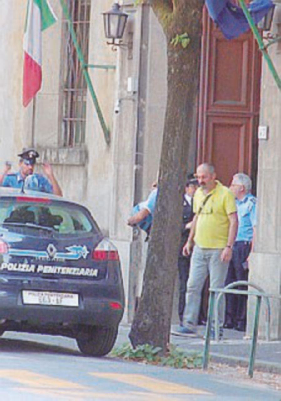 Da Torino a Pisa. Due detenuti si impiccano in cella