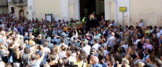 """Foggia, l'appello della cognata dei due agricoltori uccisi durante i funerali: """"La mafia è connivenza, è girare la testa dall'altra parte. Non abbassate lo sguardo"""""""