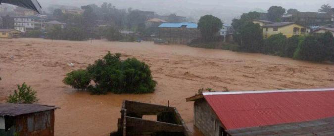 """Sierra Leone, oltre 300 morti nella capitale a causa di una frana provocata dalle alluvioni: """"Distrutto un quartiere"""""""