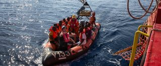 "Migranti, anche Save the children e Sea Eye sospendono soccorsi. Msf: ""In Libia stupri e torture con benestare Italia e Ue"""