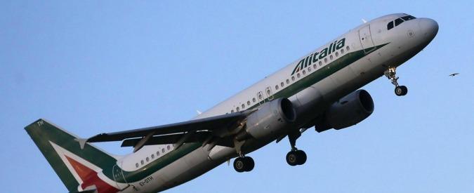 Sciopero aerei, piloti e assistenti di volo incrociano le braccia. Alitalia cancella 95 voli nella giornata di lunedì