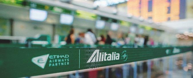 Alitalia, quarta proroga per l'offerta di Fs mentre la compagnia perde 700mila euro al giorno. Buio fitto sui soci mancanti