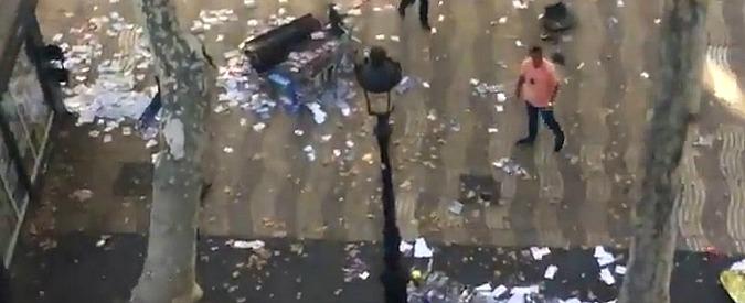 Attentato Barcellona, morta donna tedesca ferita nella Rambla: le vittime salgono a 16