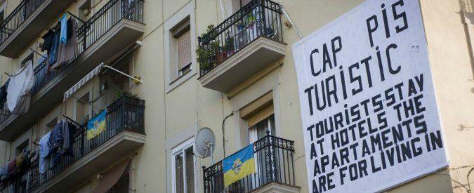 Barcellona, se il turista è un nemico: 'State in albergo. Le case sono per chi ci abita'