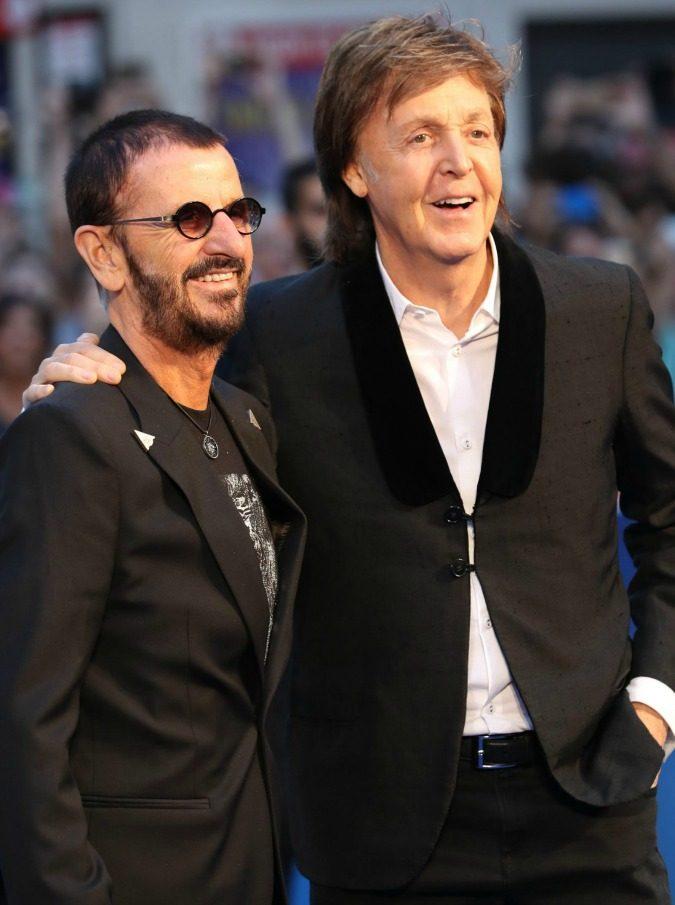 """Beatles, Dagospia lancia la bomba: """"Paul McCartney e Ringo Starr stanno registrando un album di inediti insieme"""""""