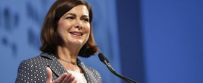 Laura Boldrini sui social, altro che querele: qui ci vuole un'operazione simpatia