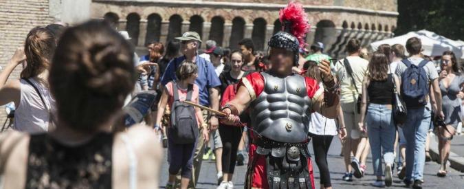 Centurioni a Roma, il Tar del Lazio dà ragione alla Raggi: legittimo il divieto nel centro storico