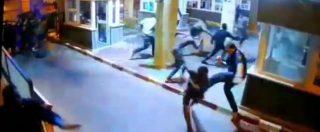 Migranti, doppio assalto alla frontiera spagnola di Ceuta: 187 passano sfondando i cancelli. In mille vengono respinti