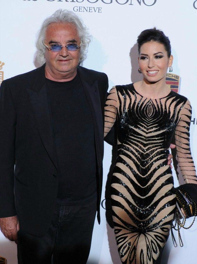 "Briatore e Gregoraci al capolinea? Lui arriva in Sardegna, lei se ne va. Ma l'imprenditore smentisce su Facebook: ""Bufala estiva"""
