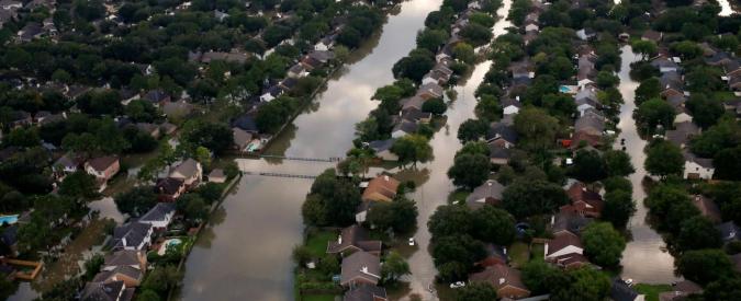 Harvey, a Houston due esplosioni nella centrale chimica: fuoriuscite sostanze chimiche, già evacuata la zona