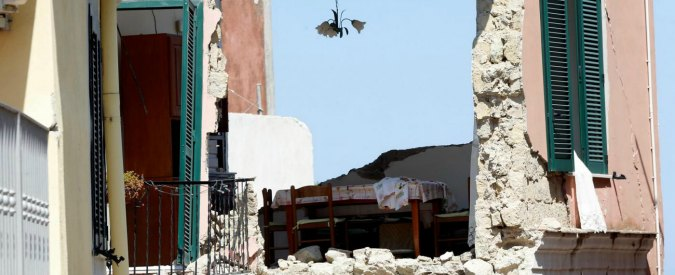 """Terremoto a Ischia, il proprietario della casa crollata: """"Abbiamo fatto due richieste di condono. Mai una risposta"""""""
