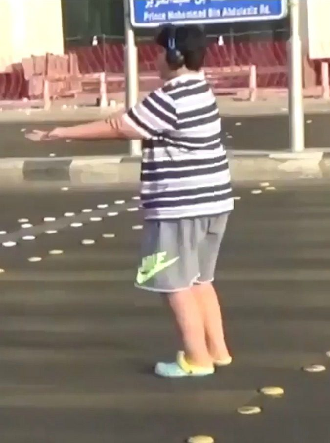 Arabia Saudita, quattordicenne arrestato perché ballava la Macarena in pubblico (VIDEO)
