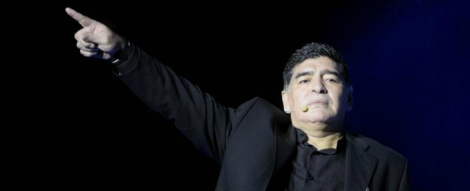 """Venezuela, Maradona si schiera con Maduro: """"Sono chavista fino alla morte, quando lo ordinerà mi vestirò da soldato"""""""