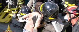 Terremoto a Ischia, il salvataggio di Mattias. Il secondo dei tre fratellini viene estratto dalle macerie