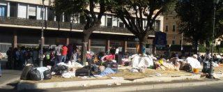Migranti Roma, lo sgombero dopo 5 giorni: soluzione temporanea solo per una parte. Resta l'accampamento
