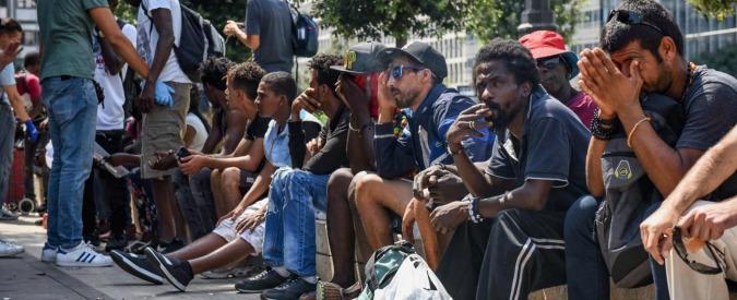 """Migranti, la sindaca Pd di Codigoro: """"Tasse più alte per chi ospita profughi"""". Partito: """"No proclami facili ma inefficaci"""""""