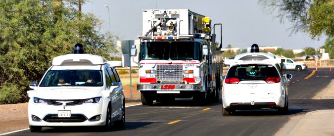 """Guida autonoma, non solo telecamere e sensori. Alle auto servono le """"orecchie"""""""