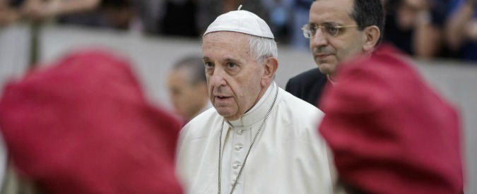Coppie gay, l'apertura dei Valdesi non scuoterà la Chiesa Cattolica: dai teologi a papa Francesco tutti i no agli omosessuali