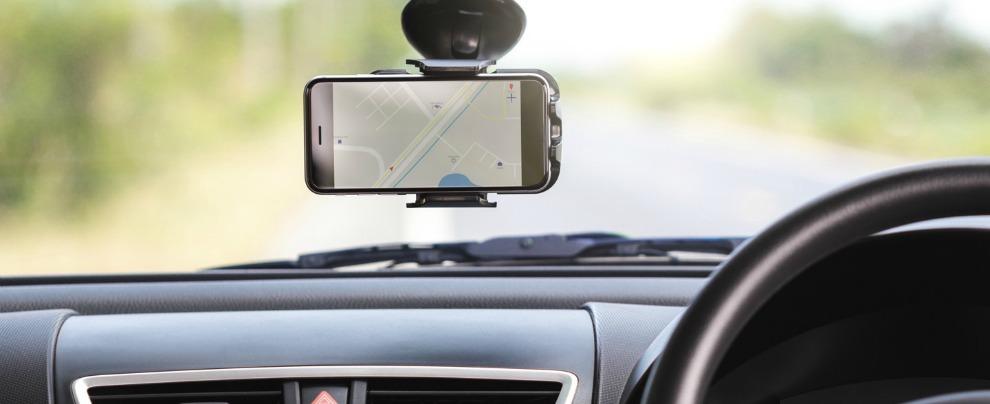 Smartphone, arriva Payver: la app che ti paga per riprendere le strade dove guidi