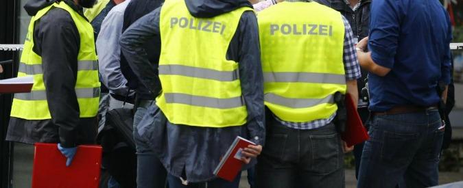 Germania, attacco con un coltello: un morto e un ferito. Responsabile in fuga