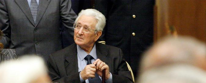 """Calabria, via intitolata a Pino Rauti con il voto dell'assessore Pd. Anpi: """"Sdegno"""". Il dem Magorno: """"Il partito si dissocia"""""""