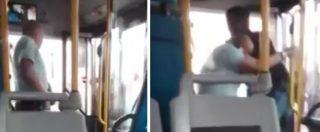 Parma, lite tra conducente di autobus e giovani africani. Poi l'aggressione all'autista