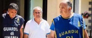 Corruzione, ex sindaco di Torre del Greco risponde al gip. Legale presenta istanza scarcerazione