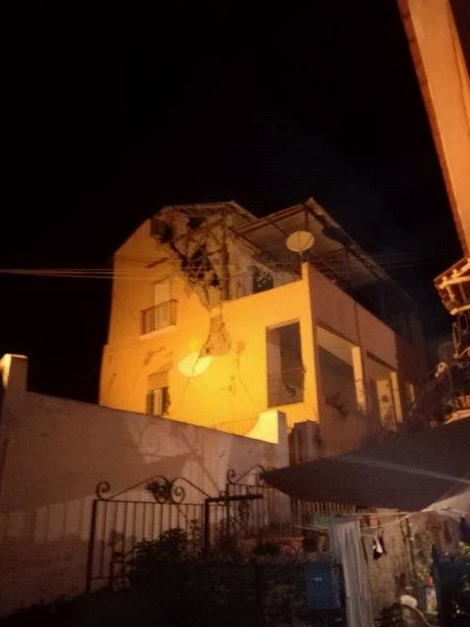 """Terremoto a Ischia: feriti e dispersi a Casamicciola. Una donna morta e 20 feriti. Vicesindaco: """"Edifici crollati, temiamo gente sotto"""""""