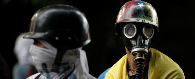 Venezuela, scricchiola la dittatura. Primo obiettivo: l'impunità