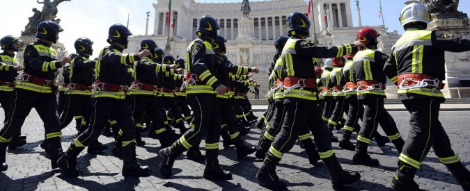 """Assunzioni in polizia, carabinieri, vigili del fuoco: ok della Madia per 2739 posti. La ministra: """"Presto ne seguiranno altre"""""""