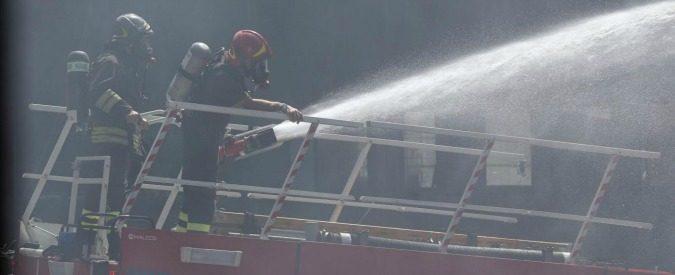 Ragusa, se i vigili appiccano il fuoco vanno accusati di alto tradimento
