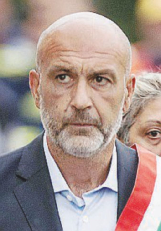"""Pirozzi: """"Assalto di solidarietà"""". Anche Norcia """"invasa"""" dai turisti"""