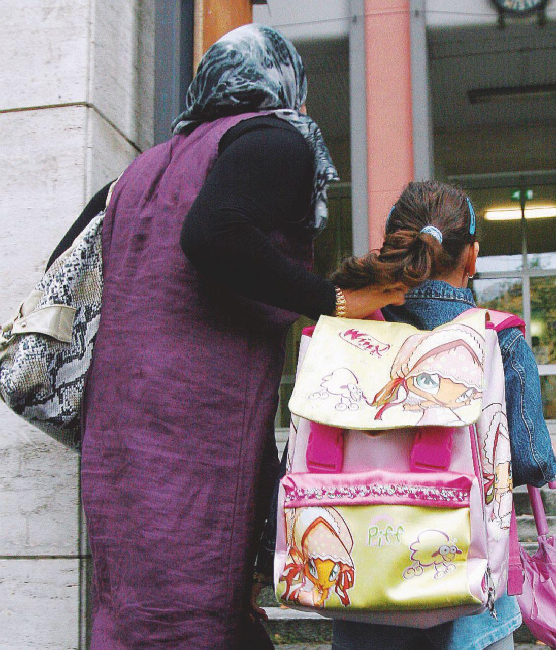 Dagli islamici alla nonna Il giudice riaffida la bimba