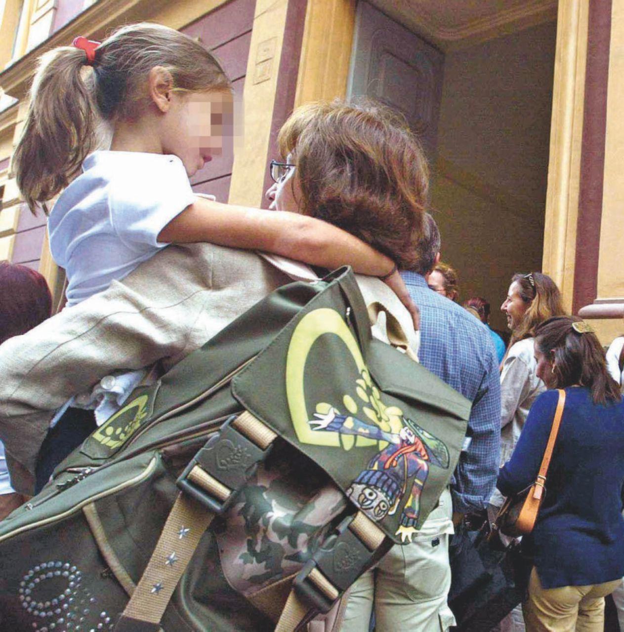 """Vaccini e scuola: è caos. Ma il Garante """"salva"""" Lorenzin"""