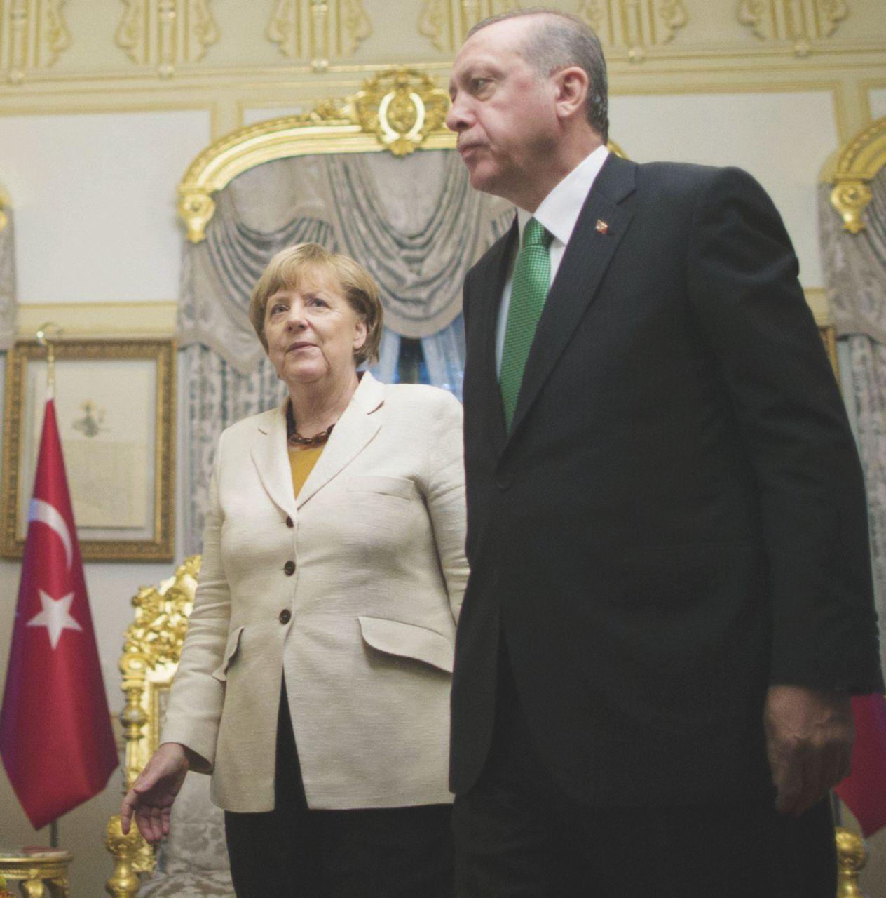 """Rabbia tedesca contro Erdogan """"il sequestratore"""""""