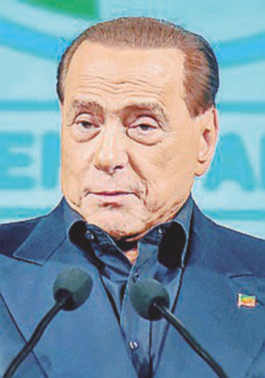 """Berlusconi celebra la coalizione in Sicilia: """"Io scendo in campo"""""""