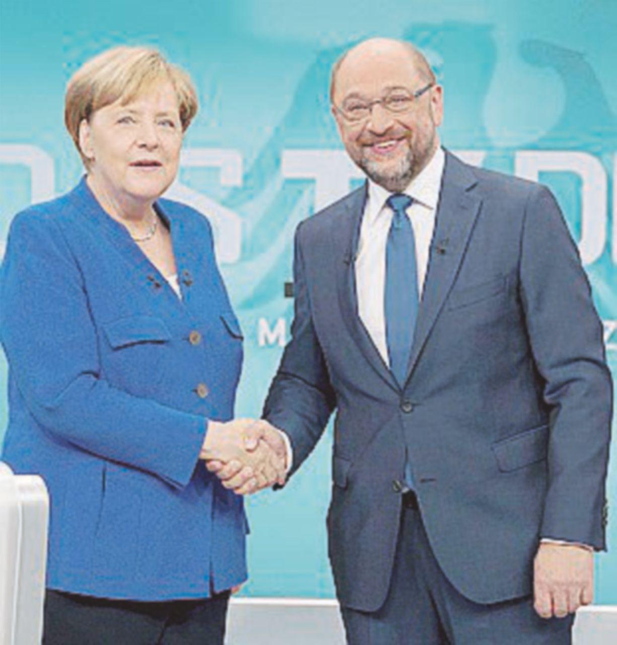 Schulz fallisce l'assalto tv a Merkel e invoca la rottura con la Turchia