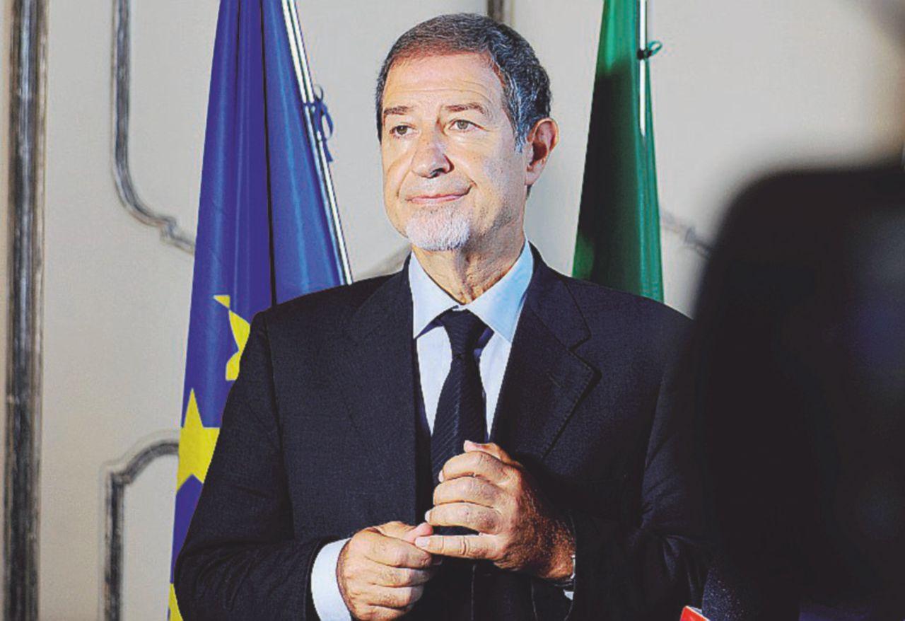 L'aspirante candidato di Forza Italia in Sicilia imbarazza Musumeci
