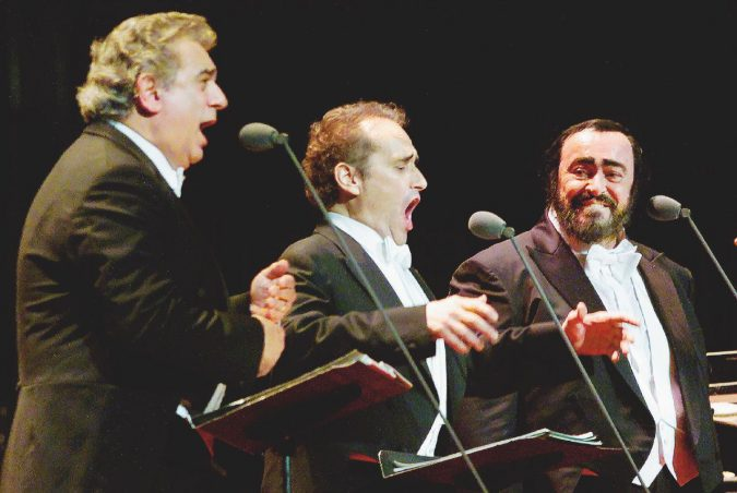 I Tre Tenori interrotti da Biagi: Big Luciano era in ritardo all'intervista