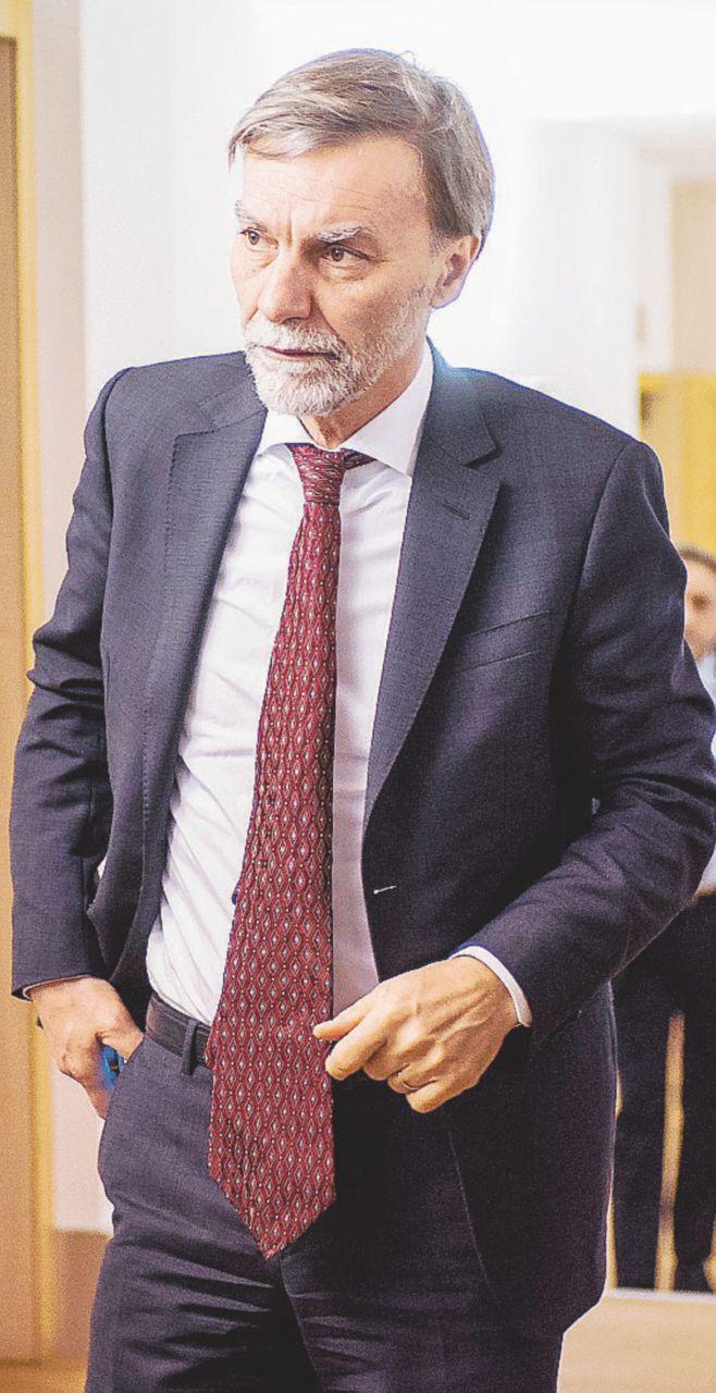 Pioggia di soldi pre-elettorali verso Palermo: progetti per miliardi approvati senza analisi