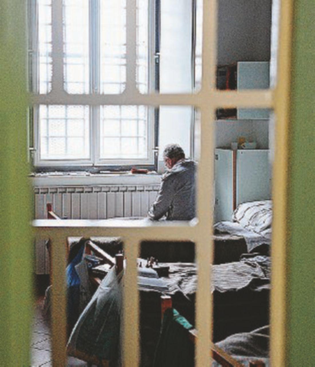 Carceri sovraffollate e maltrattamenti. Strasburgo boccia (ancora) l'Italia