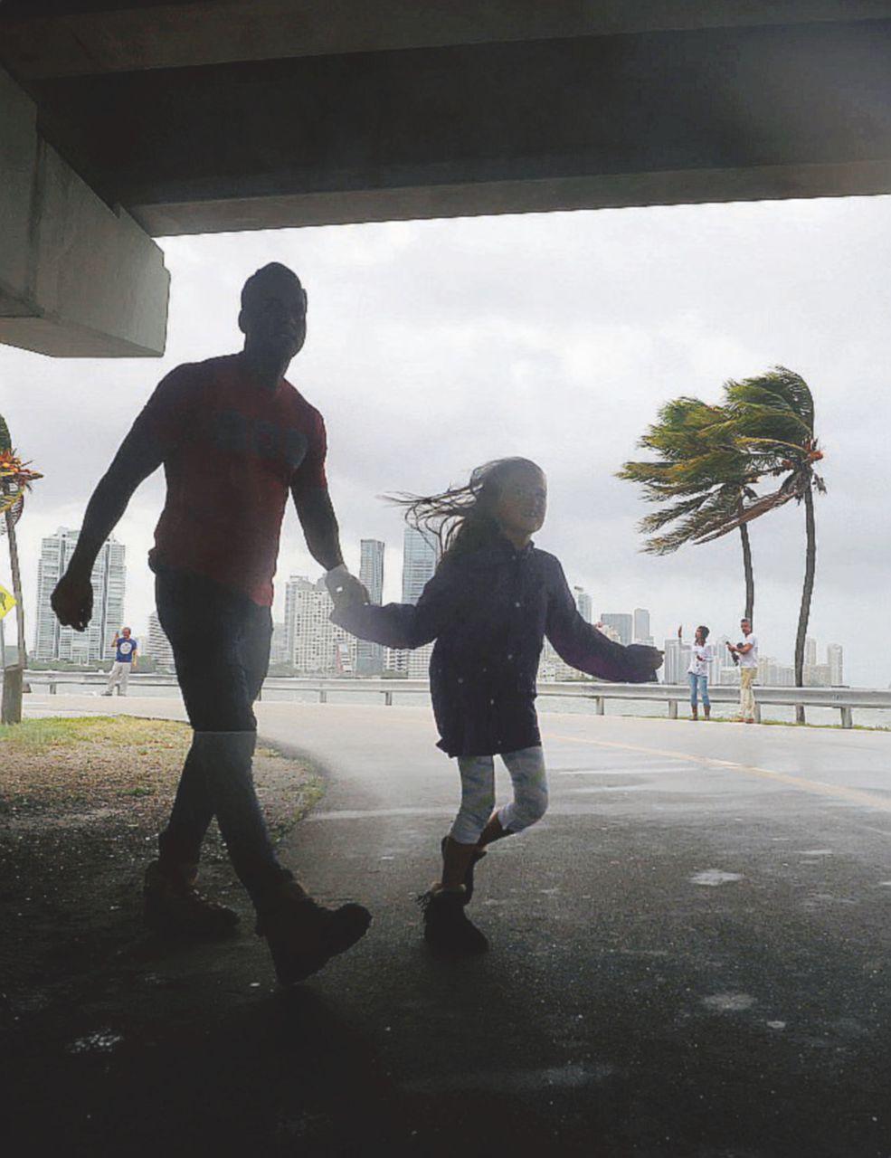 Irma è arrivata in Florida: primi morti e altri disastri