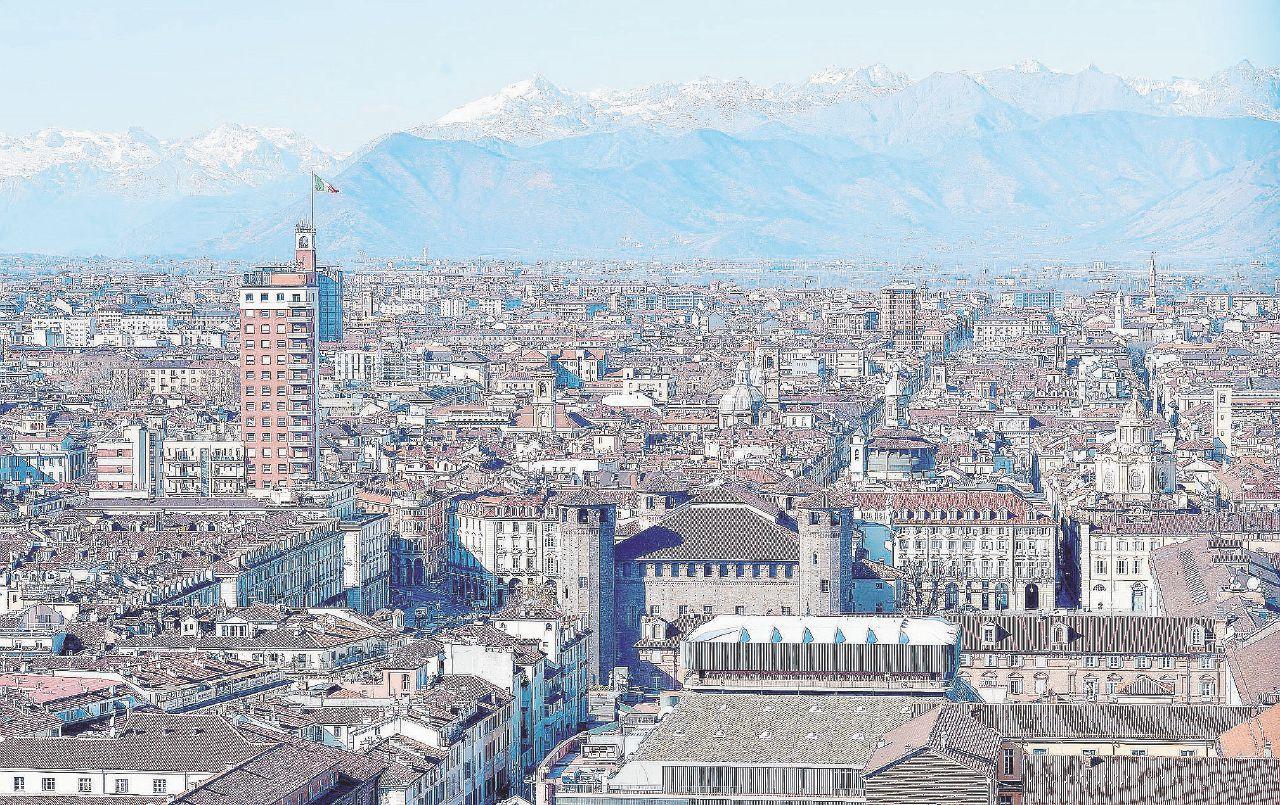 Milano pigliatutto, a Torino restano solo i grissini (forse)