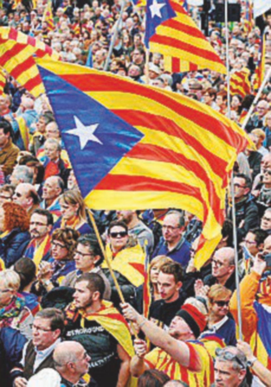 "La Procura di Madrid indaga sui sindaci catalani ""pro-voto"""