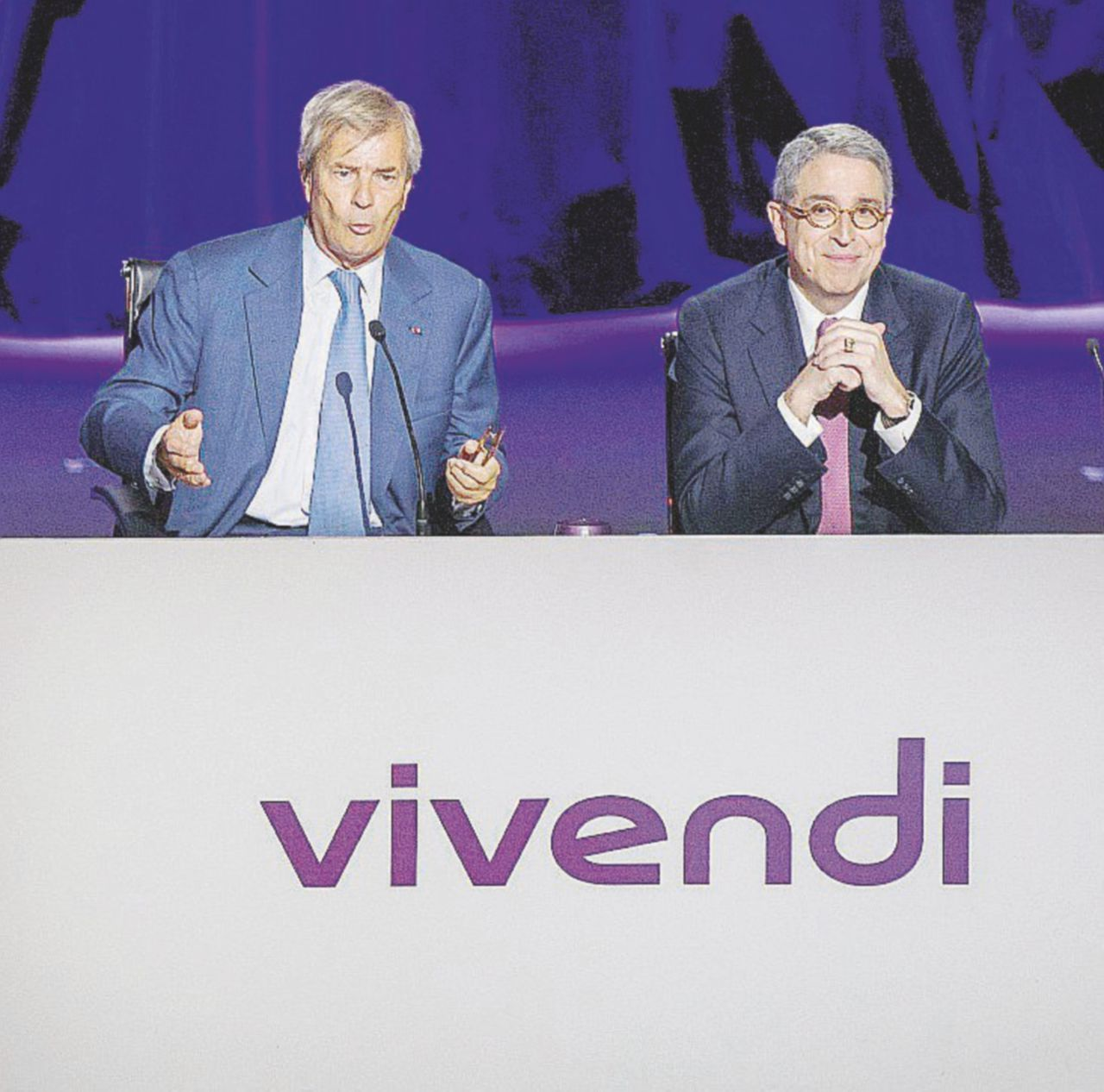 """Consob schianta Vivendi: """"Controlla di fatto Telecom"""""""